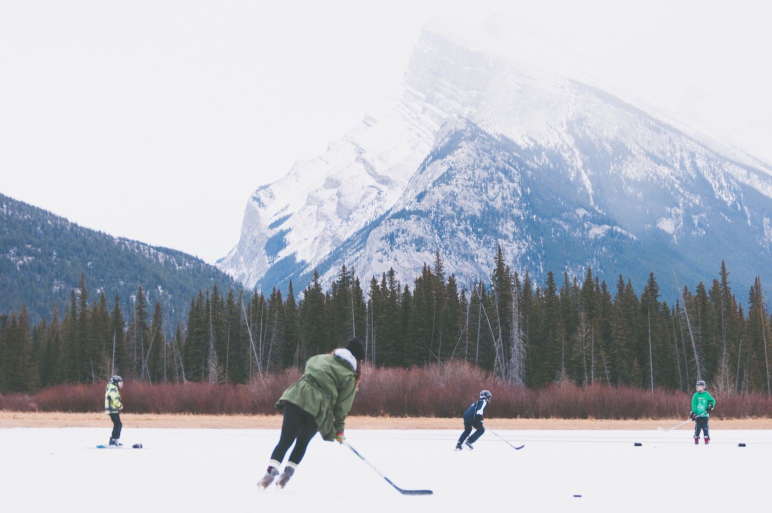 hockey sur glace en hiver au canada